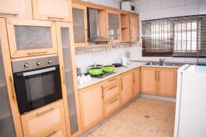 3 bedroom Flat / Apartment for shortlet Gated Crsecent off Simeon Akinolu, Oniru, Victoria Island Extension Victoria Island Lagos