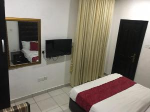 3 bedroom Flat / Apartment for shortlet - Lekki Phase 1 Lekki Lagos