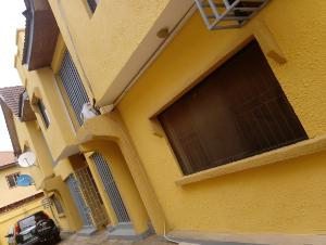 3 bedroom Flat / Apartment for rent in an estate Oko oba Agege Lagos