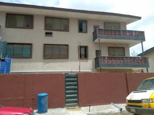 3 bedroom Flat / Apartment for rent Lawanson Surulere Lagos