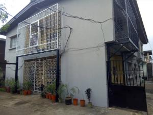 3 bedroom Flat / Apartment for rent - Ilupeju Lagos