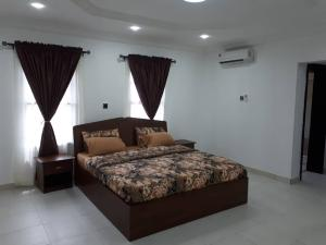 3 bedroom Flat / Apartment for shortlet Gated Crsecent off Simeon Akinolu, Oniru, Victoria Island Extension Victoria Island Lagos