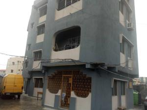 3 bedroom Flat / Apartment for rent - Ebute Metta Yaba Lagos - 0