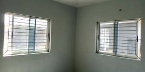 3 bedroom Block of Flat