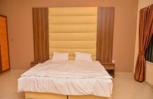 3 bedroom Terraced Duplex House for shortlet Off Admiralty  Lekki Phase 1 Lekki Lagos