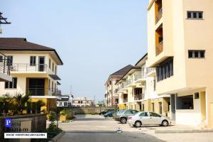 3 bedroom Flat / Apartment for sale .  Lekki Phase 1 Lekki Lagos