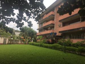 3 bedroom Flat / Apartment for rent 6 Child Close Apapa G.R.A Apapa Lagos