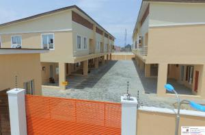3 bedroom House for sale By Second toll gate chevron Lekki Lagos - 0