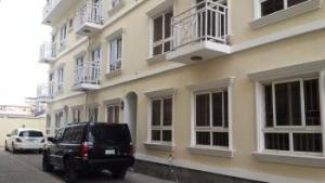 3 bedroom Commercial Property for sale off palace road Victoria Island Lagos