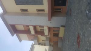 3 bedroom Blocks of Flats House for rent Off market road ONIRU Victoria Island Lagos