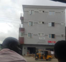 3 bedroom Blocks of Flats House for sale ijesha road Itire Surulere Lagos