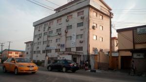 Office Space Commercial Property for rent Iponri, Alaka/Iponri Surulere Lagos