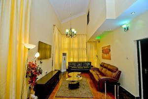3 bedroom Detached Duplex House for shortlet 50 VGC Lekki Lagos