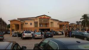 Hotel/Guest House Commercial Property for rent  along ring road ibadan  Ibadan Oyo