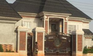 8 bedroom Detached Duplex House for sale Miriam Babangida Way; Asaba Delta