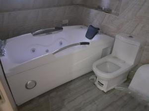 3 bedroom Detached Bungalow House for rent thomas estate ajah Thomas estate Ajah Lagos
