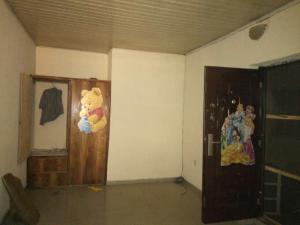 3 bedroom Flat / Apartment for rent Bakari close Medina Gbagada Lagos