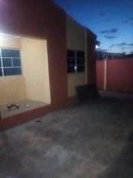 3 bedroom Flat / Apartment for rent Alakia isebo off new ice road. Alakia Ibadan Oyo