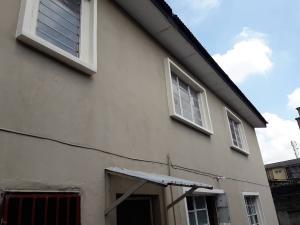 3 bedroom Flat / Apartment for rent Barracks Ojuelegba Surulere Lagos