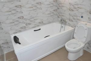 3 bedroom Flat / Apartment for rent Richfield Estate Airport Road(Ikeja) Ikeja Lagos