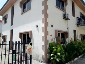 3 bedroom Blocks of Flats House for rent Chevyview  chevron Lekki Lagos
