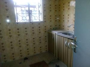 3 bedroom Flat / Apartment for rent off adekunle adekuye Adelabu Surulere Lagos