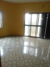 3 bedroom Flat / Apartment for rent Oyarinu street beside adide supermarkets biola Oshogun bustop Ketu Lagos