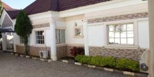 3 bedroom Detached Bungalow House for rent Favourland estate  Life Camp Abuja