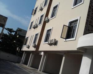 3 bedroom Flat / Apartment for sale Oba Amusa estate  Agungi Lekki Lagos