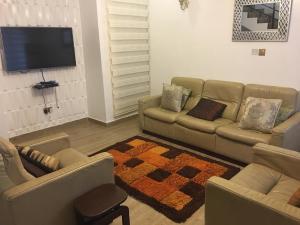 4 bedroom Shared Apartment Flat / Apartment for shortlet 10 wemabod estate Allen Avenue Ikeja Lagos