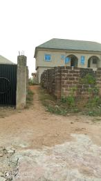 4 bedroom Terraced Bungalow House for sale  ilé tuntun Area Off Nihort Jericho road ibadan in a gated street.  Ido Oyo