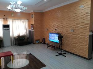 4 bedroom Flat / Apartment for sale Oluyole Estate Ibadan Oyo