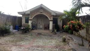 4 bedroom Detached Bungalow House for sale Obasanjo bus stop Obasanjo Farm Ado Odo/Ota Ogun