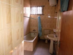 4 bedroom Detached Bungalow House for sale Kwara Quarters; Behind World Oil Filling Station, Ibafo Obafemi Owode Ogun