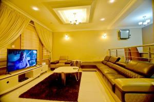 4 bedroom House for shortlet Abeke Ogunkoya Drive, Lekki Lagos