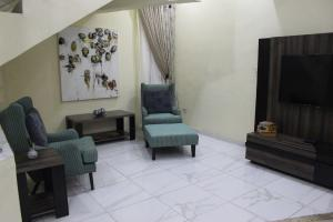 4 bedroom House for shortlet - Adeniyi Jones Ikeja Lagos