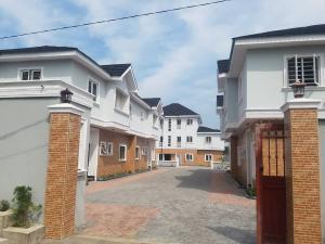 4 bedroom House for sale Palm groove  Bye pass Ilupeju Ilupeju Lagos