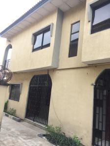4 bedroom House for rent Mary street by Irawo after Owode Onirin off Ikorodu road. Ketu Lagos