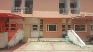 4 bedroom Penthouse Flat / Apartment for rent Mende Villa Mende Maryland Lagos