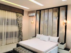 4 bedroom Terraced Duplex House for sale Ikate Lekki Lagos