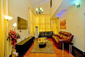 4 bedroom Detached Duplex House for shortlet Victoria Island Lagos