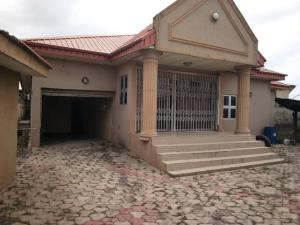 4 bedroom Flat / Apartment for rent Ogunsola close Oluyole Estate Ibadan Oyo