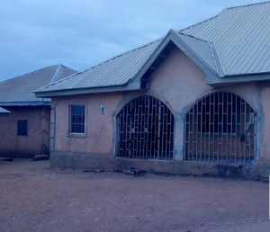 4 bedroom Flat / Apartment for sale rantia PHCN power station Jos East Plateau