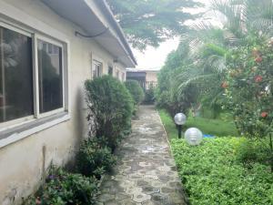 4 bedroom Detached Duplex House for sale Lafiaji  chevron Lekki Lagos