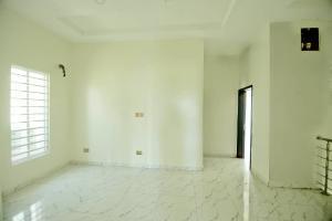 4 bedroom House for sale Lagoon view, alternative route, chevron chevron Lekki Lagos
