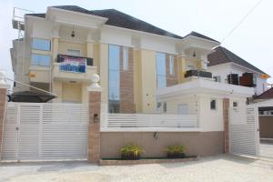 4 bedroom Semi Detached Duplex House for sale . Ajah Lagos