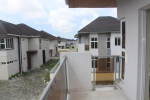 4 bedroom House for rent pinnock beach estate Osapa london Lekki Lagos