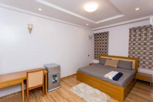 4 bedroom Flat / Apartment for shortlet Wemabod Estate Ikeja Lagos
