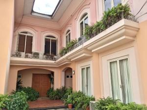 3 bedroom House for rent Off Gerard road Ikoyi Lagos