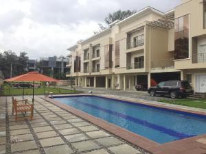 4 bedroom Terraced Duplex House for sale Ojora road Ikoyi Lagos